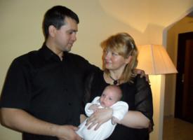 Anyai és üzleti örömök – a kismama Beta-Kádár Tünde 30 ezer fölött!