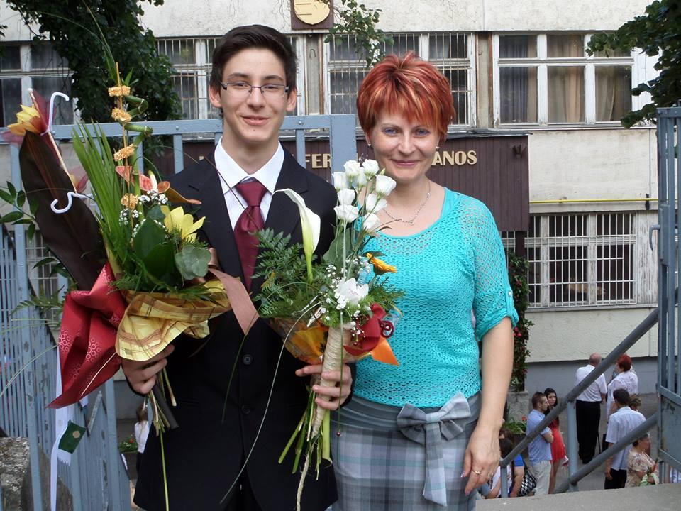Fia, Kókai BálintErik ballagásán készült ez a fotó.Mindketten szabad életre vágynak!