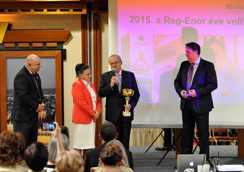 Külön megköszönték a Reg-Enor feltalálója, Szabó Sigfrid és felesége, Erzsike munkáját