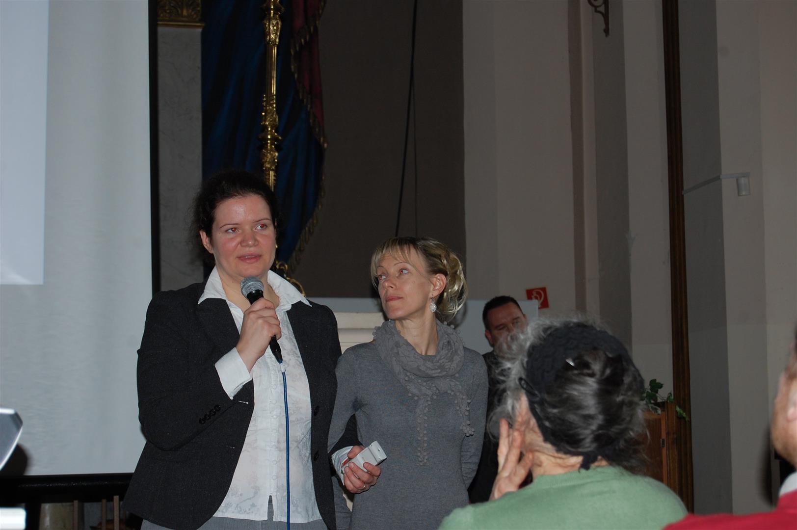 Pintér Pámer Krisztina másik hálózatvezetőjével, az estet előadásával szintén emelő Eberhardt Hajnallal