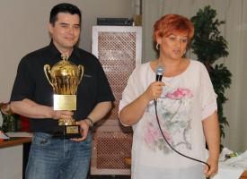 Tóth-Wolford Erika a hónap hálózatvezetője – a Komporday-ágra került a kupa, amiből Reg-Enort isznak…