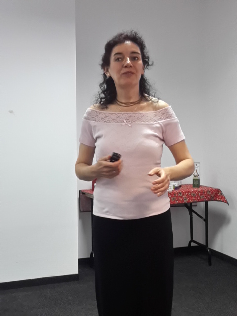 Kádárné Virág Julika, aki amellett, hogy régóta hálózatvezető, életmód-tanácsadó - is