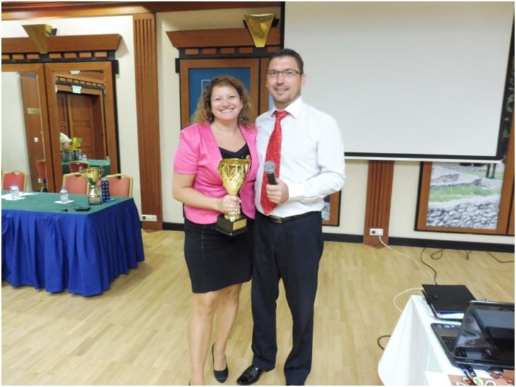Vass Szombatfalvi Zsuzsa, mint hálózatvezető fejlődött a legdinamikusabban az ágban, akinek férje, Oszkár gratulált