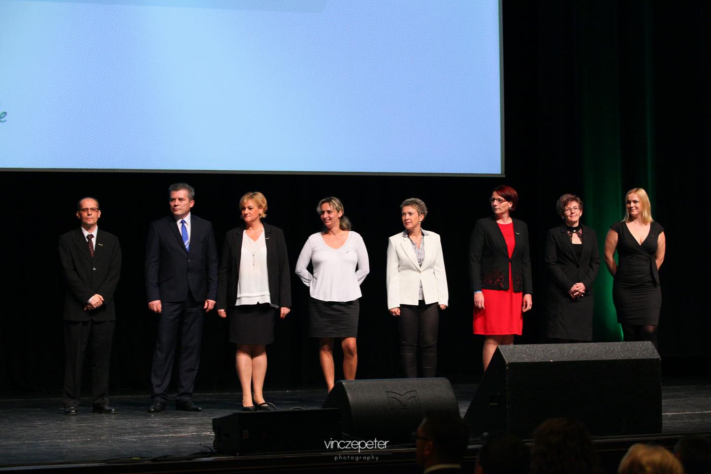 Az új Ezüst Hálózatvezetők a színpadon