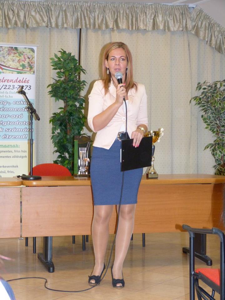 Komporday Annamária ezúttal a háziasszony szerepét is vállalta
