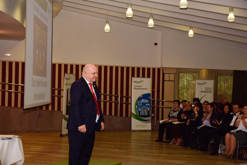 Lőrincz János,a Biocom első Gyémánt Hálózatigazgatója az itt elérhető passzív jövedelem előnyeit ecsetelte