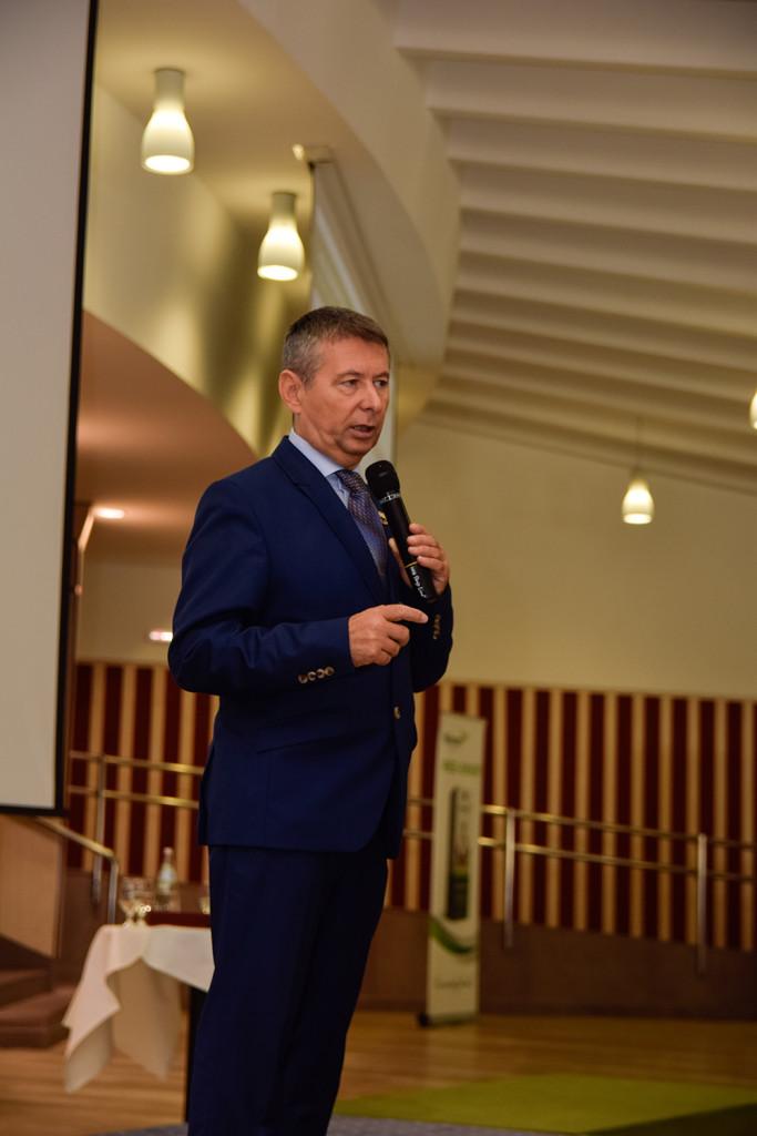 Ferenczy László hálózatigazgató-ágvezető ezúttal természetgyógyászként segített a hallgatóságnak