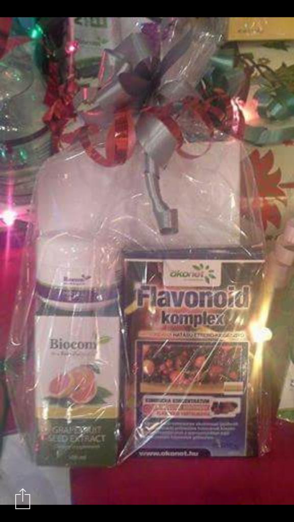 Például ilyen Biocom-ajándékcsomaggal lephetjük meg karácsonykor szeretteinket