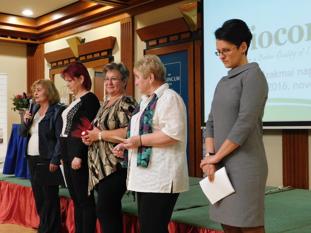 Akik a terméktapasztalataikat osztották meg a résztvevőkkel: (balról jobbra) Samu Kata, Szűcs Brigitta, Pusoma Ilona, Kozora Maja, Krigel Zsuzsi
