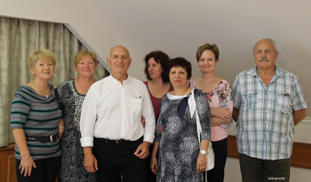 Lukács Gusztáv (balról a harmadik) csapatának tagjaként