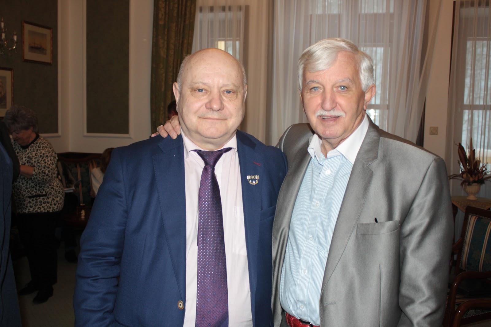 Lőrincz János Gyémánt Fokozatú Hálózatigazgató, és a tréning egyik nagy sikerű előadója, Tonk Emil
