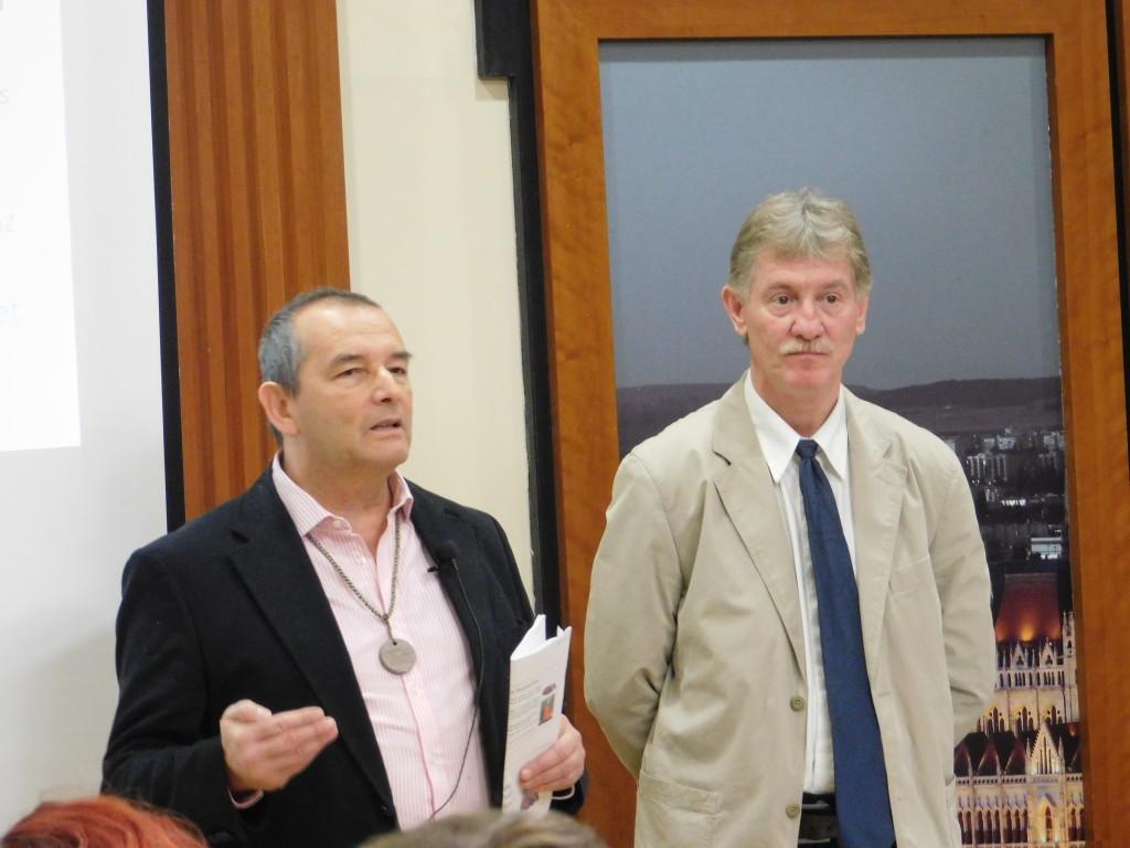 Két kitűnő szakember, Jakab István és dr. Földes László beszélt a Flavonoid Komplexről és a Forever Man termékről, meghívott vendégként