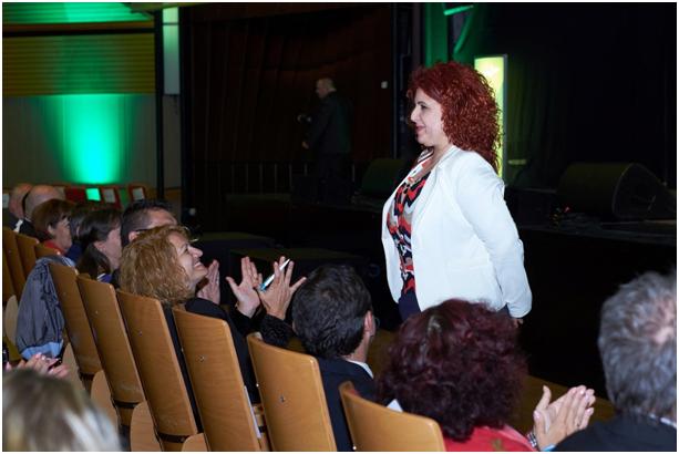 Aki volt már nagyrendezvényen az tudja, hogy a sikeres vezetők bemutatásával és köszöntésével kezdődik a hivatalos program az új munkatársak számára.