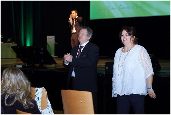 Kosiba József , Ezüst Hálózatigazgató és kedves felesége, Kosiba Hajnika köszöntése