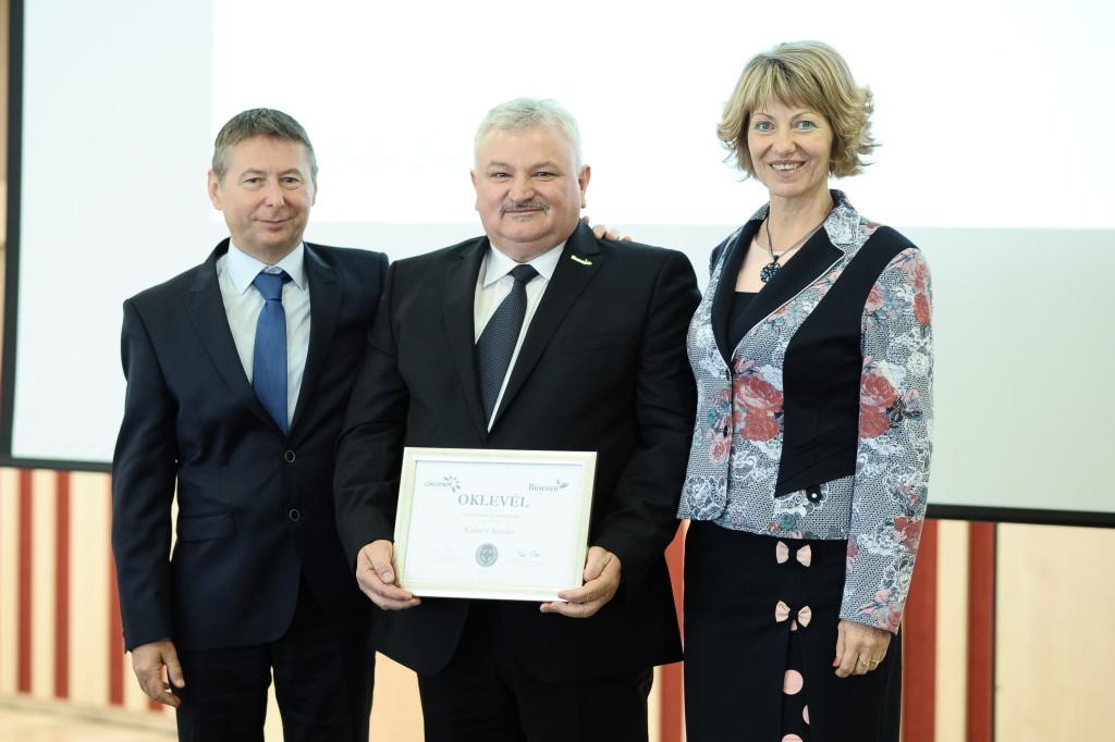 Kakucs Sándor ezüst hálózatvezetői elismerése: Borbáth Edit és Ferenczy László gratulált neki