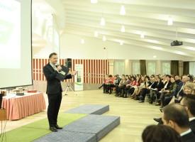 Tarczy Gyula, a Biocom kommunikációs igazgatója a nap musorvzetoje