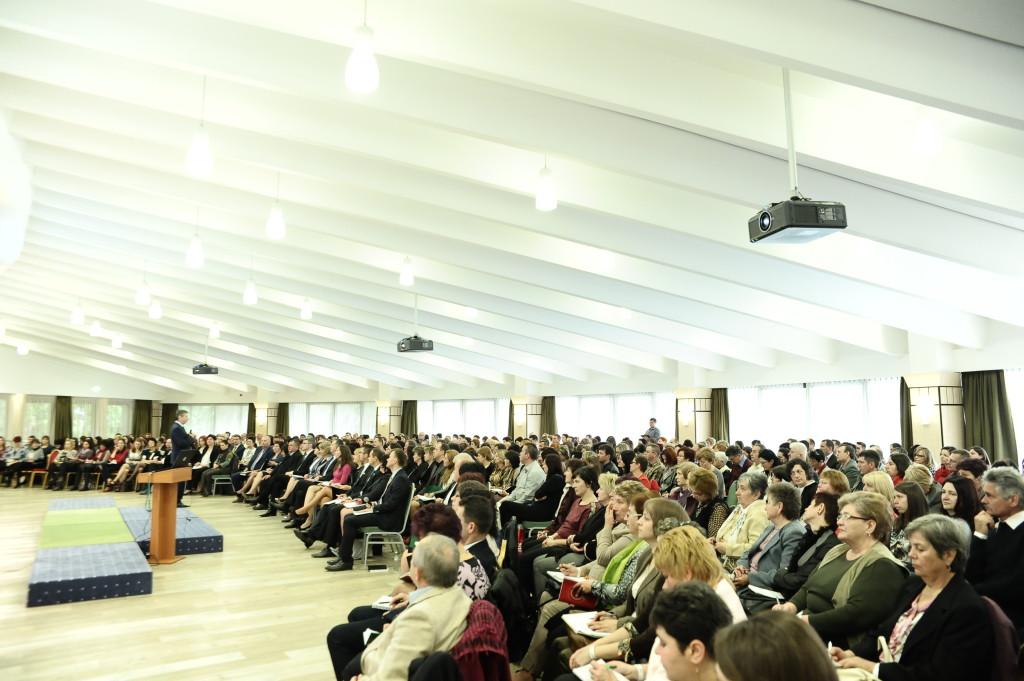 Újra megtelt a Bradet Szálloda 500 fős konferenciaterme