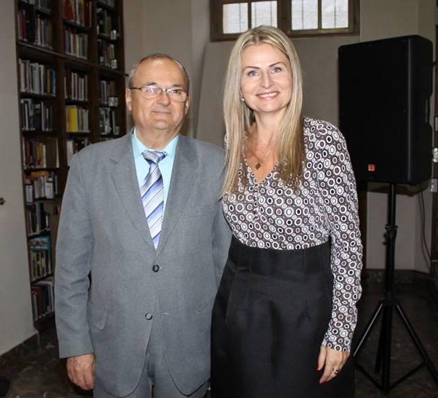 Ferencz Ildikó már hálózatvezetőként mosolyog a képen Szabó Sigfriddel, a Reg-Enor atyjával, akinek szintén sokat köszönhet
