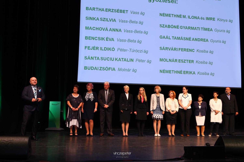 A nyári verseny győztesei Lőrincz János méltatásával, akitől a közös hajózásról szóló filmet is kaptak ajándékba