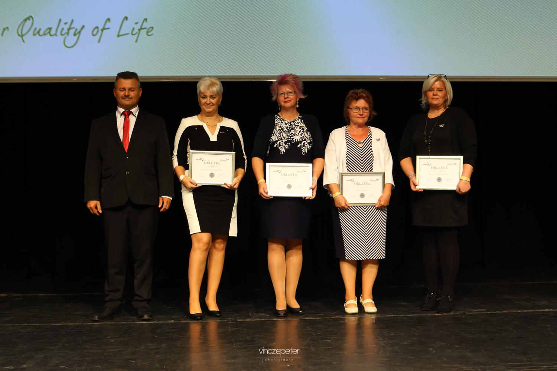 A március óta kvalifikált új Ezüst HV egy képen: Varga Éva és Károly, Molnár Eszter, Fazekas Gizella és Baranyai Böbe