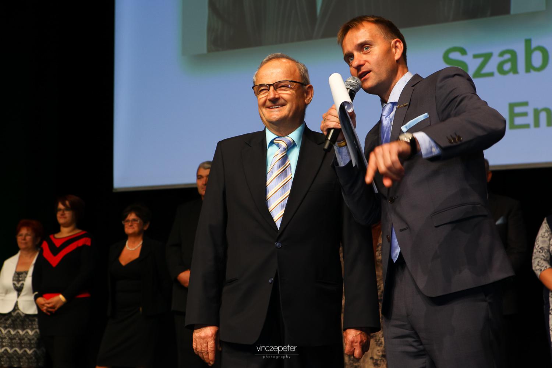 Szabó Sigfird, a Biocom által forgalmazott csúcstermék, a Reg-Enor Géniusz-díjas feltalálója ezúttal is nagy ünneplésben részesült