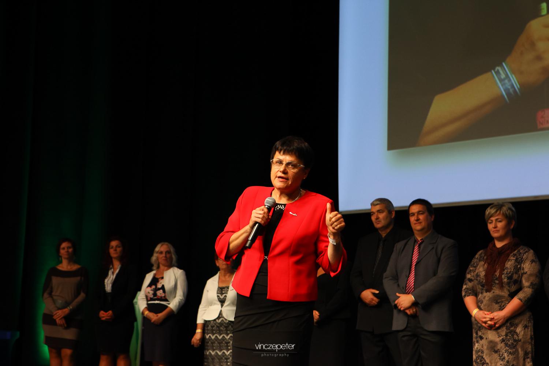 Dr. Pollák Éva, gyermekgyógyász főorvos szakmai szempontból is hozzátett a fogyasztói észleletekhez