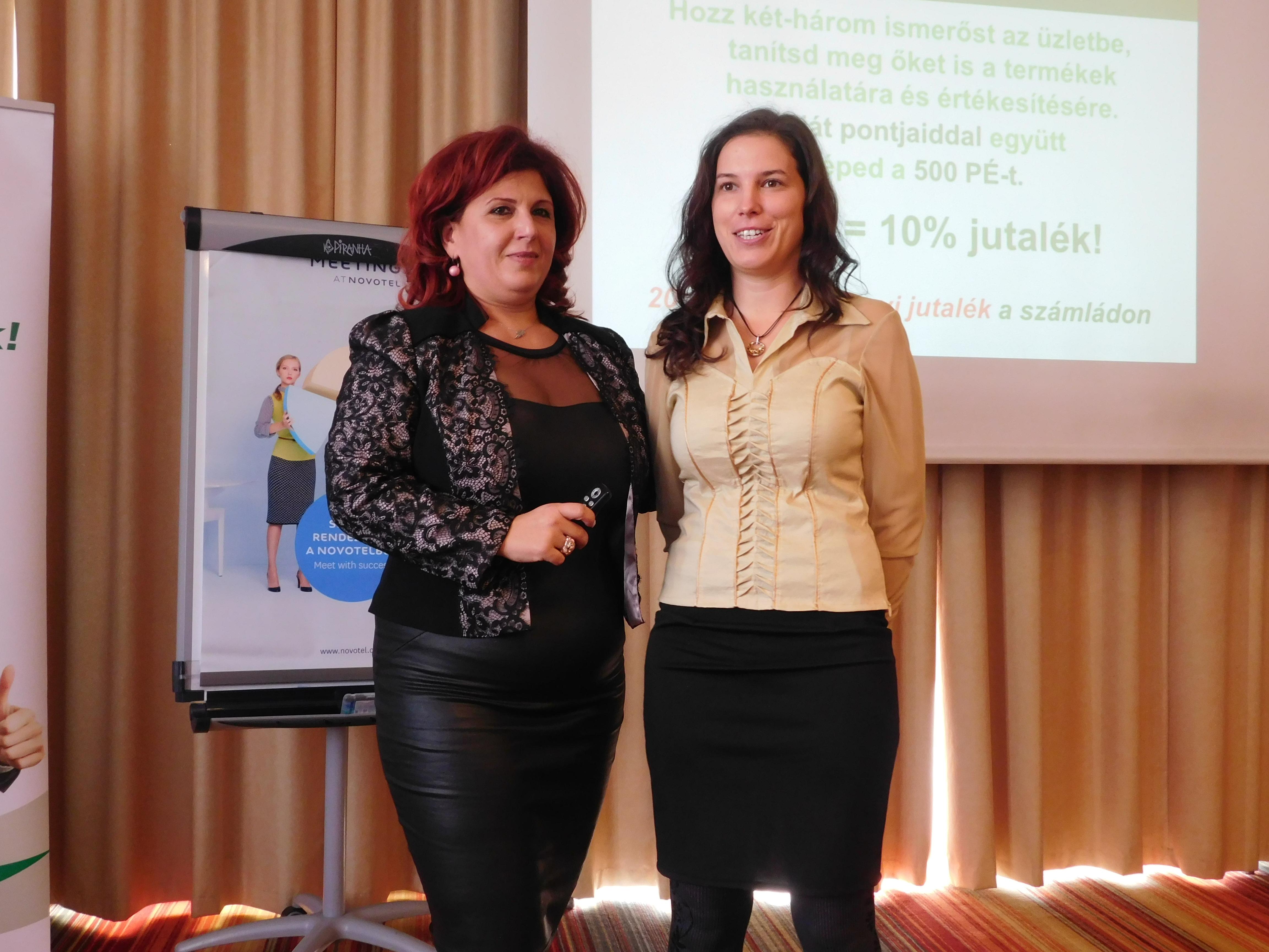 Gémesi Anikó (a képen jobbra) két hónap alatt lett 5-ös szintű munkatárs, s az ágvezető biztatására elmesélte, hogyan