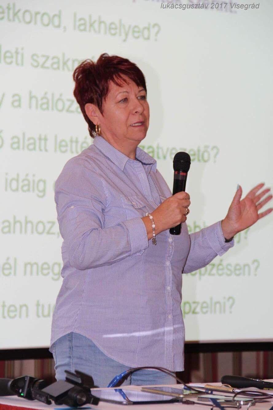 Vezetőképzésen Visegrádon