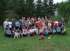 Érezd jól magad velünk itt és most! – Újra családi napozott az erdélyi Részegh-csapat