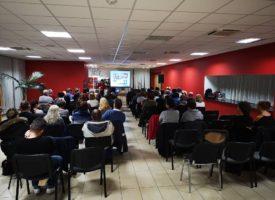 Komoly érdeklődéssel indult az év Ajkán – az első rendezvény Szabó Sigfriddel a Reg-Enor jegyében zajlott
