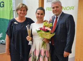 GYED Extra a Biocommal – Baranyi Virág Ezüst HV-ként a hálózatban is megéli az anyaságot a Tóth-Wolford Team tagjaként