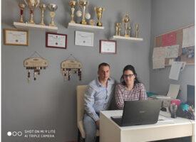 Az online munka sikerei a Tasnádi-ágon: motivál, informál és egyben tart a heti két webinár