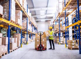 Április közepétől várhatóan újra gyorsabb lehet a csomagszállítás